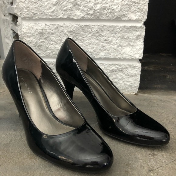 7b8709b83e Bandolino Shoes | Black Shiny Heels | Poshmark